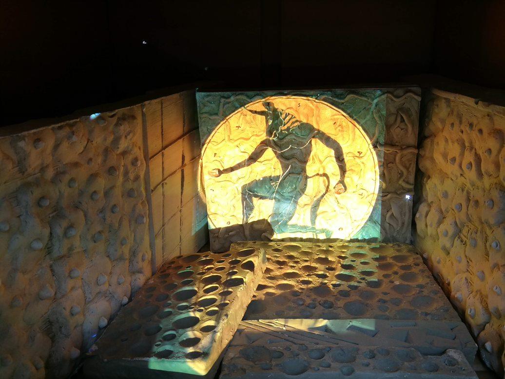 interno-del-labirinto-in-gesso-con-animazione-5CH